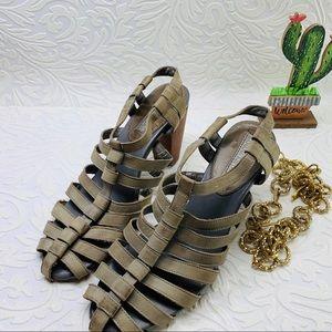 Banana republic stray heels size 8